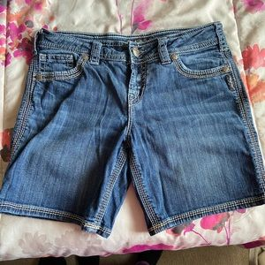 Silvers Jean shorts size 29